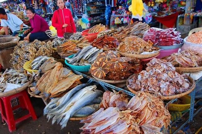 Ẩm thực hải sản Hải Tiến rất phong phú