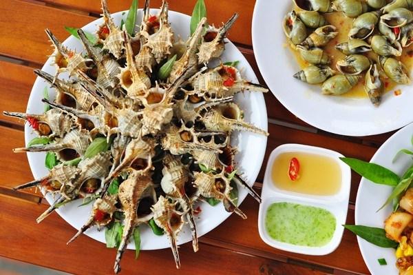 Ốc Hạ Long, món ăn đặc trưng và dân giã ở Hạ Long